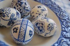 I blame my friend Sheri for being preoccupied all this afternoon with making these Easter eggs.  She showed me this Easter project  in Mart...