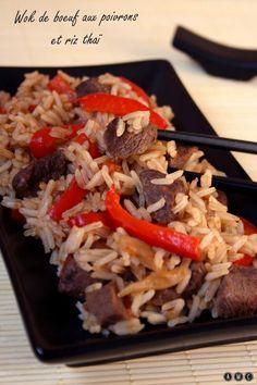 Car la cuisine au wok est souvent synonyme de rapidité, voici une recette pour un repas complet. Du riz, de la viande et des légumes et pour donner encore plus de goût de la sauce soja ! Simple, rapide et savoureux :) Ingrédients : (pour 4 personnes)...