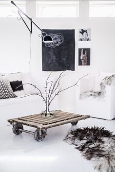 The Design Chaser: Interior Styling Style At Home, Style Blog, Distressed Wood Coffee Table, Black And White Interior, Black White, Estilo Interior, My Ideal Home, Living Spaces, Living Room
