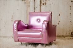 Cotton Candy Retro Chair! (Don't know where I would put it but I want it)