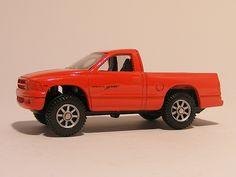 For sale 3.50 Euro >>Dodge Dakota Sport pickup 1:64 Maist - Speelgoedenverzamelshop