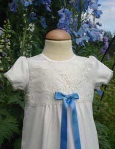 Saga med fantastiskt vackert pärlbroderat liv/christening gown bead -embroidered