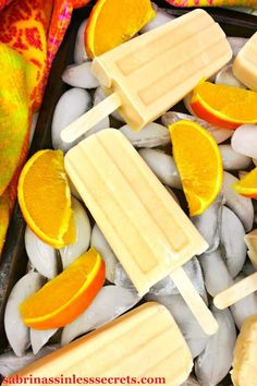 These Paleo and Vegan Orange Creamsicle Popsicles taste like they're fresh out of an ice cream truck, except they're dairy-free, refined sugar-free, Smoothie Popsicles, Healthy Popsicles, Homemade Popsicles, Healthy Snacks, Healthy Recipes, Orange Popsicles, Sugar Free Popsicles, Healthy Popsicle Recipes, Smoothies
