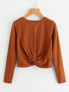 Negozio T-shirt con torsione sul davanti  on-line. SheIn offre T-shirt con torsione sul davanti  & di più per soddisfare le vostre esigenze di moda.