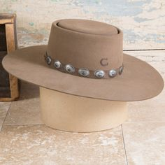 Women Hat Fashion Cap Tricorn Hat African Scarf Tying Womens Winter Hats 2018 5 Panel Cap New York Yankees Cap Cowgirl Hats, Western Hats, Cowgirl Outfits, Outfits With Hats, Cowgirl Style, Western Style, Cowgirl Tuff, Cowgirl Clothing, Gypsy Cowgirl