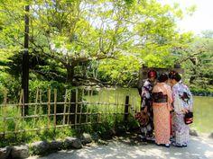 locals dressed as geishas