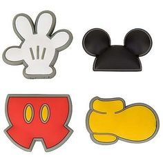 Shop Disney dinnerware featuring Mickey and Minnie Mouse and more. Disney characters on plates, bowls, and kitchen accessories brings fun to the dinner table. Mickey E Minie, Fiesta Mickey Mouse, Mickey Mouse Bday, Mickey Mouse Clubhouse Birthday, Mickey Mouse Birthday, Minnie Mouse Party, Mouse Parties, Disney Mickey, Mickey Mouse Stencil