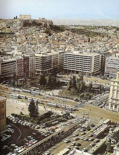 Vintage aerial of Syntagma Square, Athens, Greece. Dates approx. Mid As you can see, this was before they built the underground parking. Today, the front does not look like a parking lot! Attica Athens, My Athens, Athens City, Athens Greece, Greece Pictures, Old Pictures, Old Photos, Athens History, Greece History