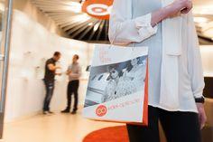 Im Edel-Optics Flagship-Store wird Brillenshopping zum Erlebnis. An iPad-Terminal haben Kunden die Auswahl von über 10.000 Markenbrillen. Der Edel-Optics Flagship-Store befindet sich in #hamburg (im AEZ Heegbarg 31, 22391 Hamburg im Obergeschoss) #edeloptics #seeandbeseen #fashion #shopping #brille #sonnenbrille #ipad