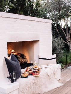 Everything You Need to Create an EPIC Cheese Board (Andee Layne - The Honeybee) Backyard Fireplace, Backyard Patio, Backyard Landscaping, Fireplace Set, Fireplace Outdoor, Modern Backyard, Foyers, Outdoor Spaces, Outdoor Living