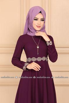 moda selvim Güpürü İncili Kolyeli Elbise PL895 Mürdüm Fashion, House Dress, Moda, Fashion Styles, Fashion Illustrations