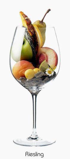 Riesling (white)   Aromas of apple, lemon, apricot, peach, mirabelle, pineapple, pear, lime, daisies, schist, firestone   Rhine region of Germany