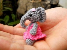 Mini éléphant Amigurumi - Animal en peluche éléphant minuscule Crochet - sur mesure