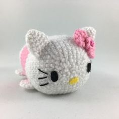 Crochet your own Hello Kitty Tsum Tsum. Free pattern available! #hellokitty #tsumtsum #amigurumi