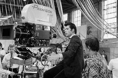 John Travolta as Danny Zuko on the set of Grease. Grease 1978, Grease Movie, John Travolta, Love Movie, Movie Tv, Grease Is The Word, Danny Zuko, Still Photography, People
