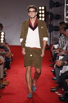 Browse Michael Bastian's Spring / Summer 2012 lookbook. Designer runway and lifestyle images, only available here at Michael Bastian NYC