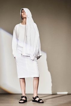 http://www.style.com/slideshows/fashion-shows/resort-2016/joseph/collection/5