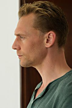 Tom Hiddleston as Jonathan Pine in The Night Manager (episode 3). Full size image: http://tomhiddleston.us/gallery/albums/tv/thenightmanager/stills/1x03/006.jpg Source: http://tomhiddleston.us/gallery/thumbnails.php?album=658
