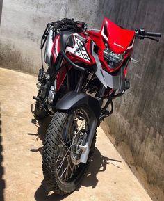 Super Bikes, Cool Dirt Bikes, Triumph Tiger 800, Honda Bikes, Biker, Motorcycle, Cars, Vehicles, Pasta