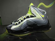 hot sale online 7359e c4475 Here is some detailed images of a pair of Nike Lebron 10