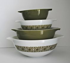 PYREX Square Flowers Verde Set of 4 by BridgetsCollection on Etsy, $55.00