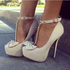 Fashion shoes and cute shoes