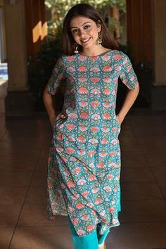 Okhai 'Flora' Hand Blockprinted Kurta Simple Kurti Designs, Kurta Designs Women, Kurti Neck Designs, Dress Neck Designs, Salwar Designs, Blouse Designs, Indian Attire, Indian Outfits, Kurti Styles