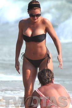 Mariana Seoane, presumiendo su figura en bikini.