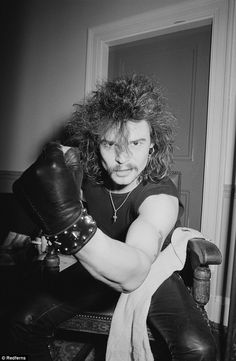 Sad news: Phil 'Philthy Animal' Taylor, the former drummer with British rock band Motorhead, has died 61 yo - R.I.P
