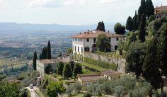 SITI UNESCO ITALIANI. Con 51 siti inseriti dall'UNESCO nell Lista del Patrimonio dell'Umanità, la World Heritage List, l'Italia è prima al mondo per numero di riconoscimenti. Si tratta di luoghi ben conosciuti come Le Dolomiti, le Isole Eolie e tanti altri ancora. http://www.teelios.com/viaggi-e-turismo/siti-unesco-italiani/