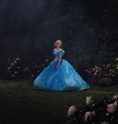 a secret garden ✨💕 Cinderella Gowns, Cinderella Movie, Disney Princess Movies, Cinderella Carriage, Cinderella Disney, Disney Princess Dresses, Disney 2015, Disney Love, Disney Magic