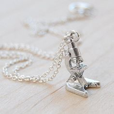 Here is a darling little silver laboratory microscope necklace! The smallest and cutest youll ever see! Perfect for any lover of science, Silver Charms, Silver Necklaces, Gem Necklaces, Silver Jewelry, Silver Rings, Creative Birthday Gifts, Piercings, Science Jewelry, Unique Anniversary Gifts