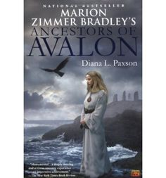 A story based on the saga by Marion Zimmer Bradley follows the Avalon characters' predecessors, the exiled high priestess Tiriki and royal acolyte Damisa, who escape from Atlantis to the mist-shrouded isle of Britain, where their duties conflict with their hearts. By the author of Priestess of Avalon. Reprint.