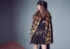 Pepita 24 7 FW 2016-17 Shop by look: Cappotto tartan doppio petto https://shop.pepitastyle.com/it/fall-winter-2016-17/352-cappotto-tartan-doppio-petto.html Abito in maglia