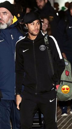 Kelly Oubre Jr, Neymar Brazil, Neymar Pic, Neymar Football, Beautiful Men, Adidas Jacket, Celebrities, How To Wear, Universe