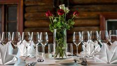 One of Vestlia Resort's venues in a cozy lodge style Lodge Style, Cozy, Table Decorations, Home Decor, Decoration Home, Room Decor, Interior Design, Home Interiors, Interior Decorating