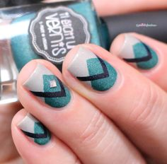 Il était un vernis IEUV #monsieurjetaime #hashtag collection - triangle geometric green and cream nail art
