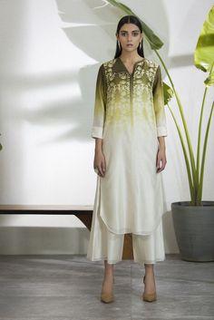 Kurti Neck Designs, Kurta Designs Women, Kurti Designs Party Wear, Stylish Dresses, Simple Dresses, Nice Dresses, Pakistani Dresses Casual, Indian Fashion Dresses, Ethnic Outfits