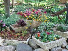 DIY Hypertufa planters mymississippimudpie.blogspot.com