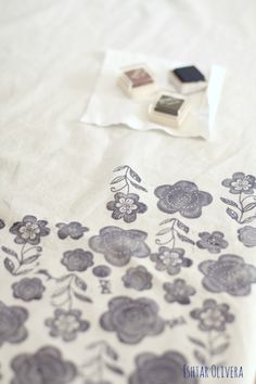 DIY: Stamping on fabric ♥ Estampando en tela | Ishtar Olivera