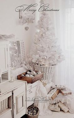 Beautiful White Christmas Decor :: white orns in wooden box! LOVE the mantel . Shabby Chic Christmas, Coastal Christmas, Silver Christmas, Noel Christmas, Merry Little Christmas, Country Christmas, Vintage Christmas, Small White Christmas Tree, French Christmas