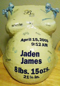 Lovely birth announcement belly cast