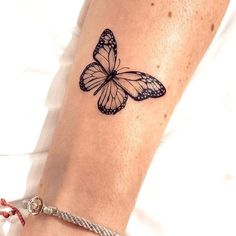 Butterfly tattoo is one of the most popular tattoo ideas. Butterfly tattoos are becoming more and more popular because of their colorful appearance. Butterflies are colorful creatures that are easy to attract. Butterflies are also symbols of the soul Cute Tiny Tattoos, Dainty Tattoos, Little Tattoos, Mini Tattoos, Beautiful Tattoos, Body Art Tattoos, Small Tattoos, Cool Tattoos, Tatoos