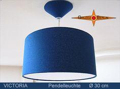 Leuchte VICTORIA Ø 30 cm Pendellampe mit Diffusor und Baldachin Royalblau. Eleganz in royalem Blau:
