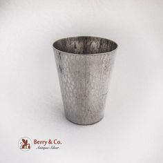Vintage Japanese 950 sterling silver hammered shot cup by Toyokoki. Hammered Silver, Antique Silver, Sterling Silver, Shot Cups, Vintage Japanese, Berries, Bar, How To Make, Berry Fruits