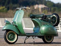 """Vespa 125 """"Faro Basso"""" 1952"""