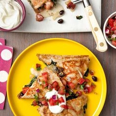 Smoky Bacon, Black Beans & Greens Quesadillas with Pico de Gallo - Rachael Ray Every Day Mexican Food Recipes, New Recipes, Ethnic Recipes, Heart Healthy Recipes, Healthy Snacks, Fruit And Veg, Quesadillas, Food Inspiration, Pico De Gallo