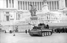 Tiger I in front of the Monument to Vittorio Emmanuele II, Rome, February 1944.