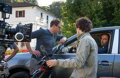 Neri Marcorè e il regista Pietro Parolin sul set del film Leoni