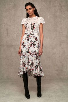 See the complete Marissa Webb Pre-Fall 2018 collection.